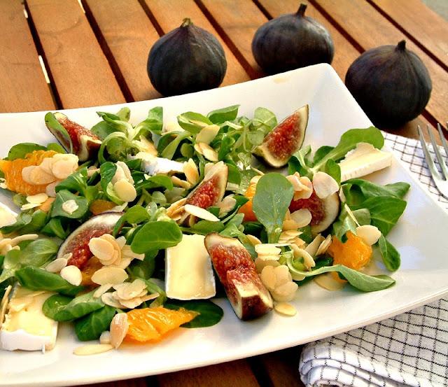Sałatka z figami i lekkim dressingiem pomarańczowym