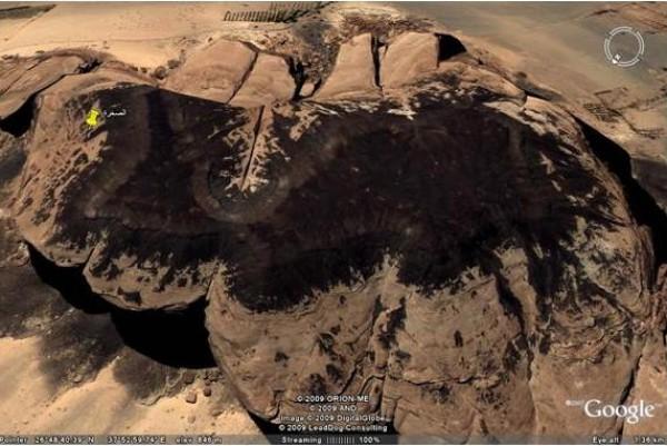 صخرة ناقة سيدنا صالح التى ذكرت في القران الكريم 3910438509.jpg