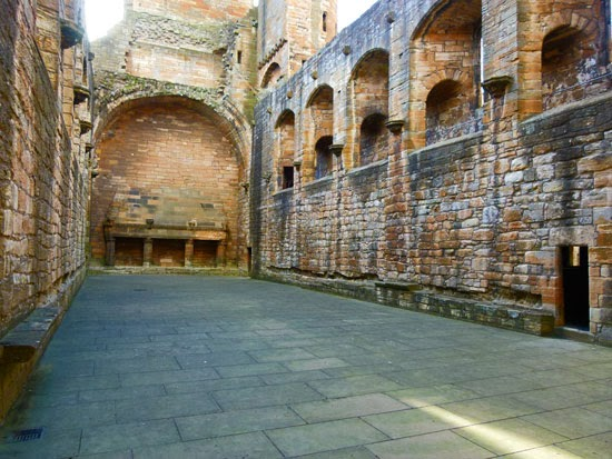 Great hall, James IV of Scotland, Stuart kings, palaces