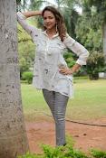 Lakshmi Manchu latest photo shoot gallery-thumbnail-9