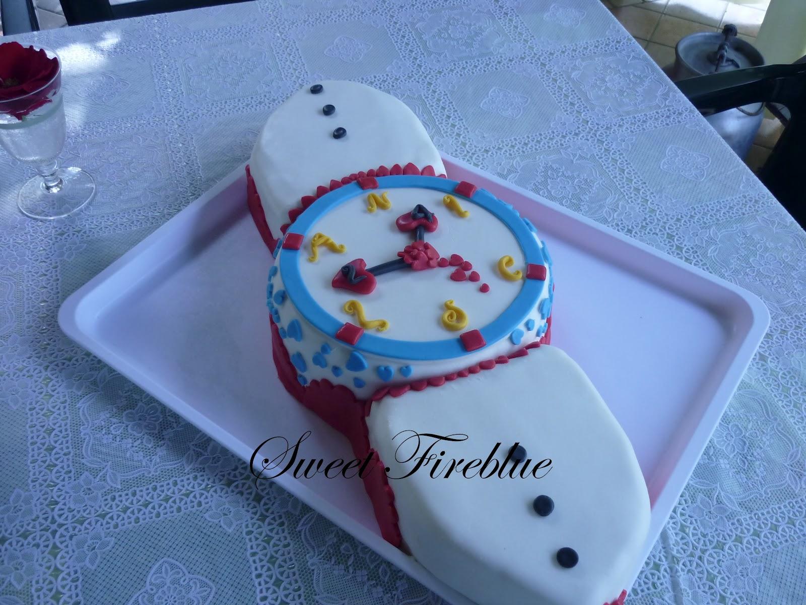 Torta con pasta di zucchero orologio