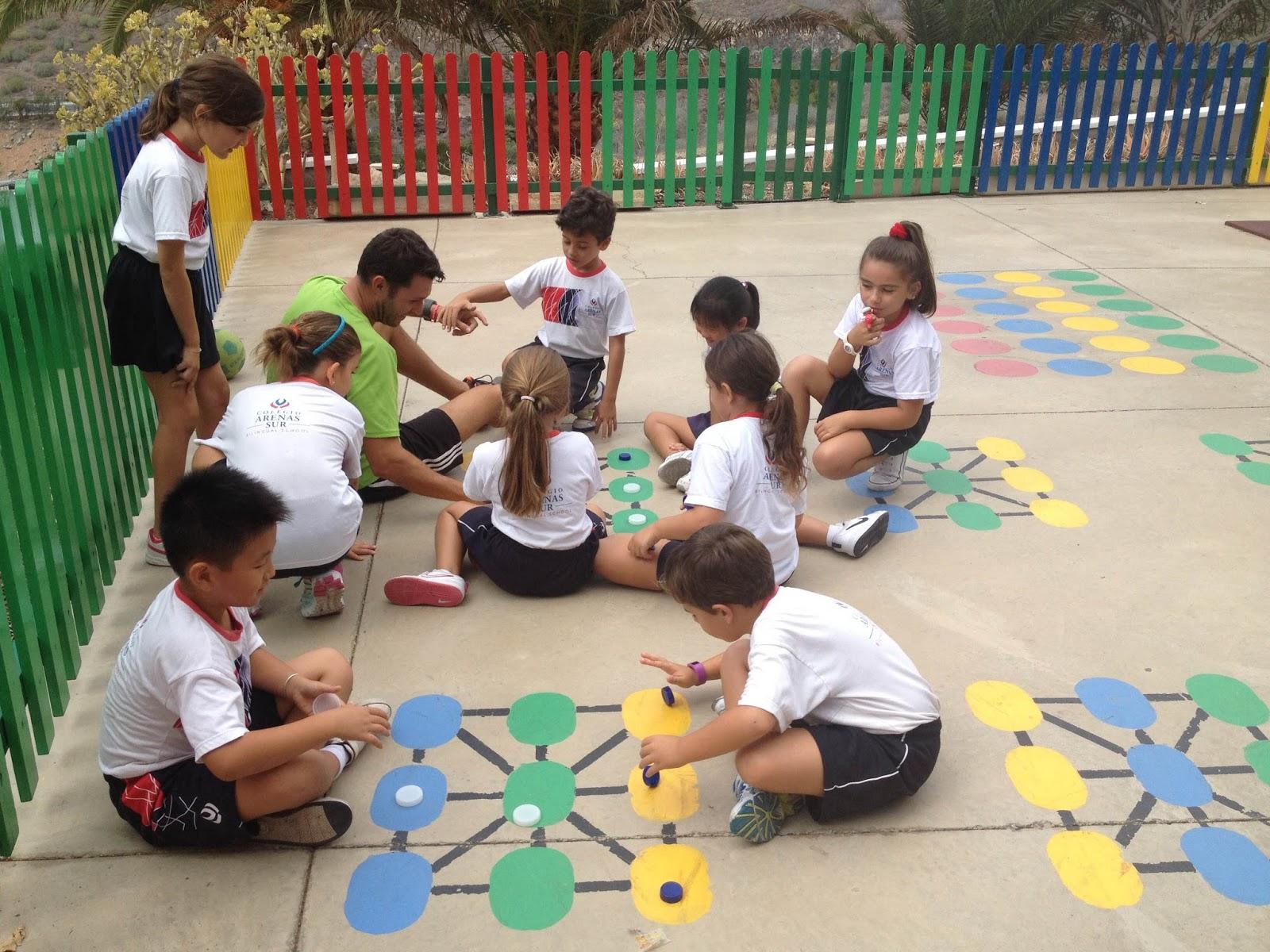 Trazos de colores dinamizaci n de patios juegos - Alfombras infantiles para jugar ...