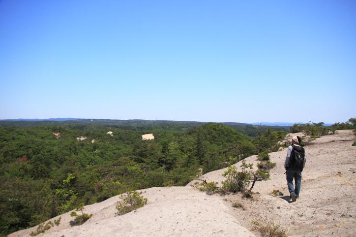 能登半島(石川県)の農家民宿 ゆうか庵からヒデッ坂へ。能登の天空絶景スポットです. Sky terrace, one of the best view spot on Noto peninsula, Ishikawa prefecture.