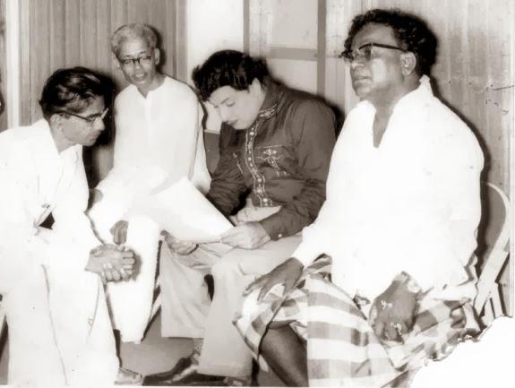 MGR with 'Nadigavel' M.R. Radha