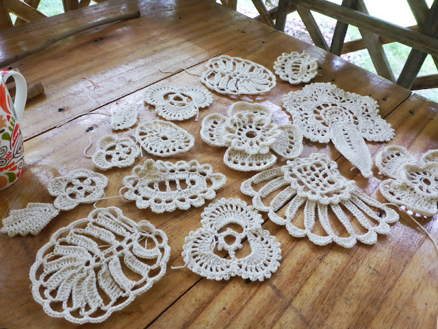 Some basic Irish crochet lace motifs for free