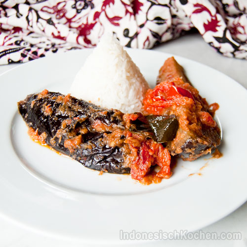 Auberginen Tomatensoße indonesisch kochen rezept