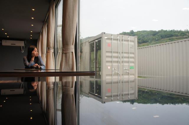 Chineses usam contêiners reciclados para construir hotel luxuoso