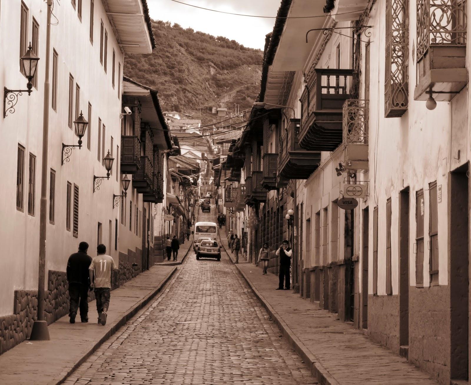 Calle San Agustín - Cusco.