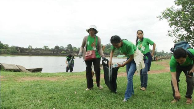 Nettoyage et reboisement autour des temples