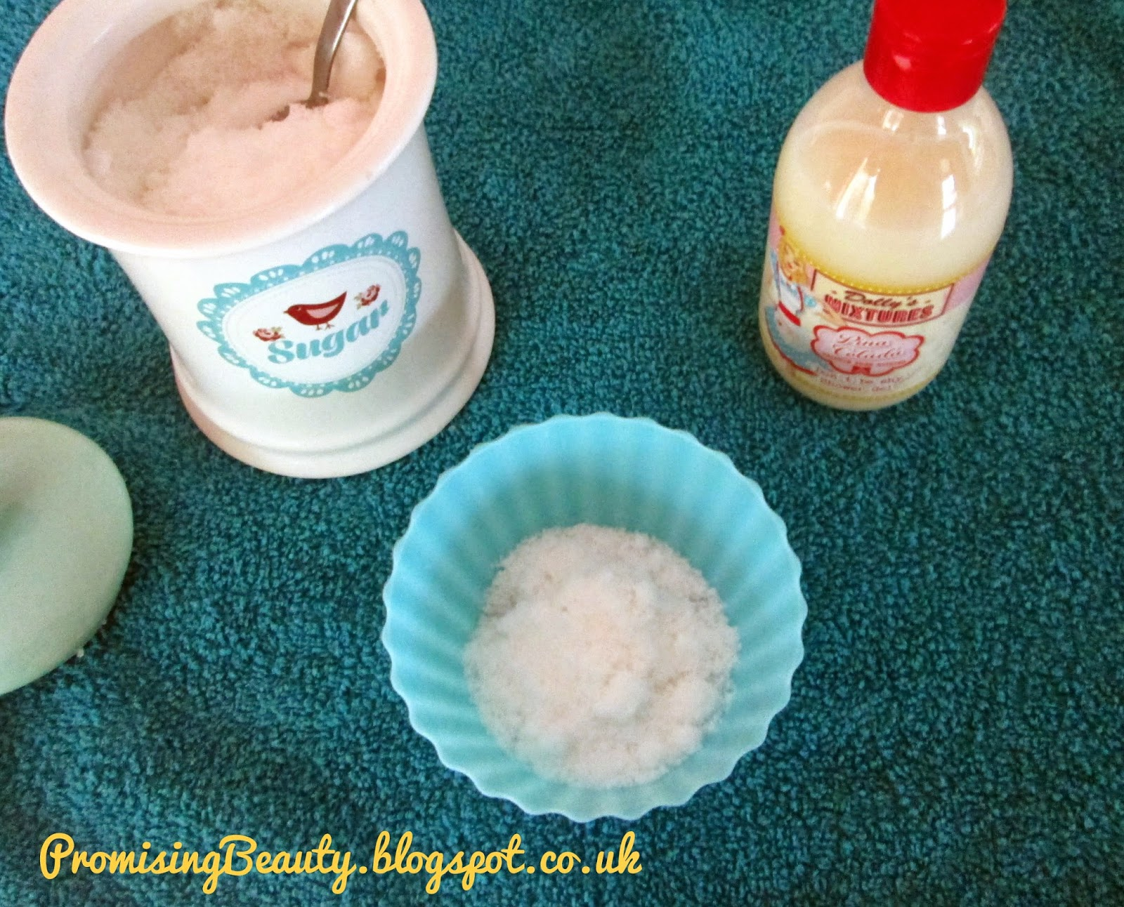 DIY beauty treatment, Body scrub, Dollys Mixtures shower gel bubble bath in Pina Colada and sugar