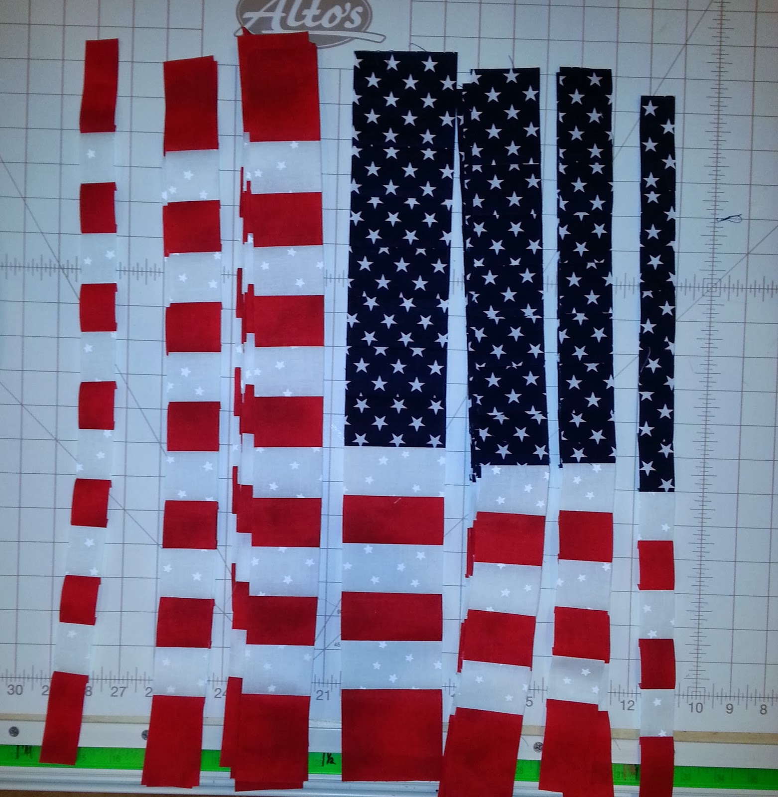 sew ez quilting bargello flag wall hanging. Black Bedroom Furniture Sets. Home Design Ideas