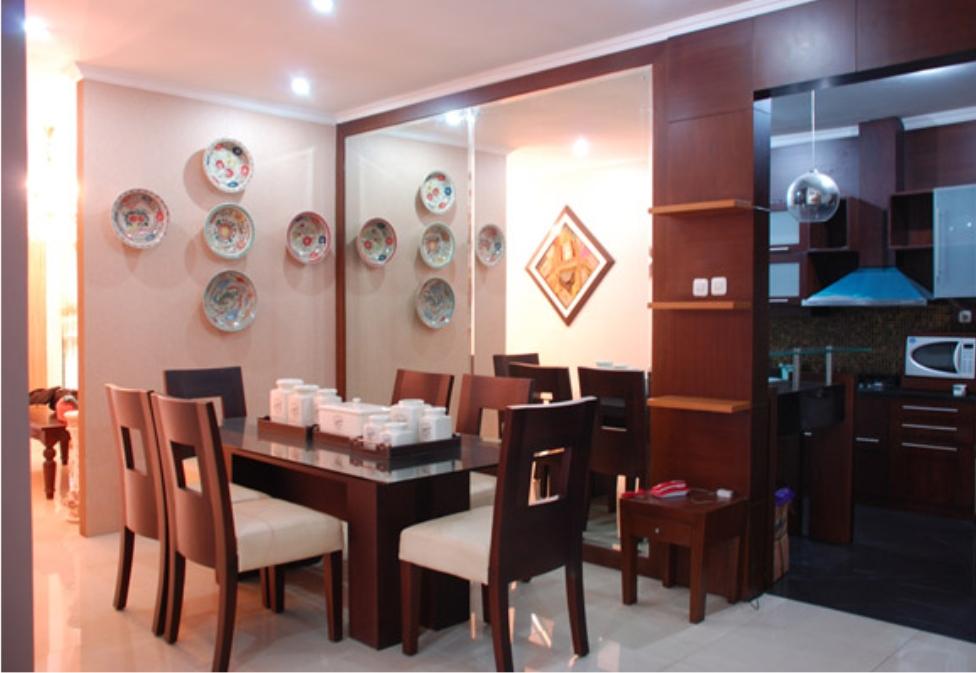 ruang makan minimalis model rumah modern