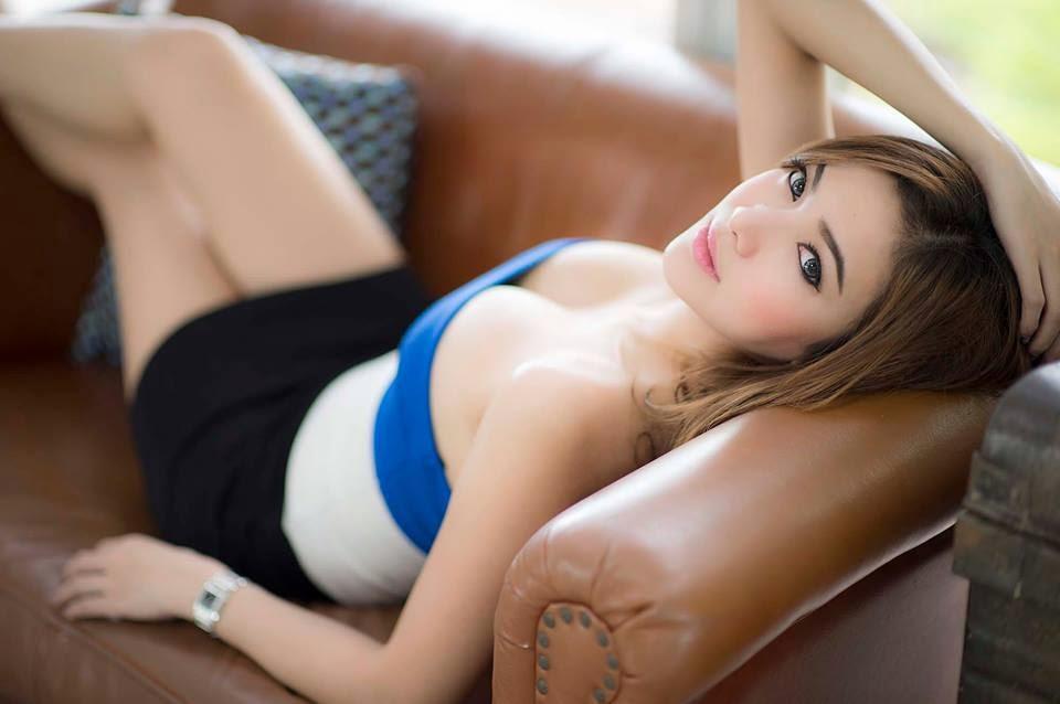 foto seksi Burnfirebaifern model sexy Thailand toket gede