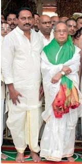 President Pranab Mukherjee and CM N. Kiran Kumar Reddy