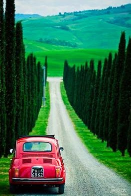 Bora ser feliz dentro de um Fiat 500!