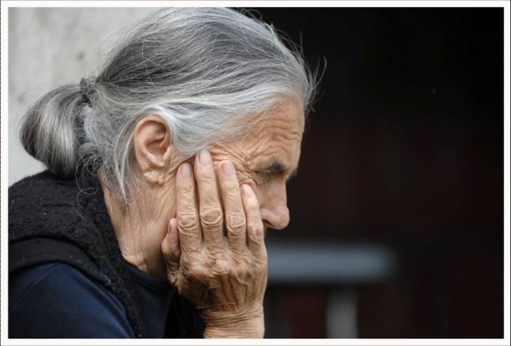 A la mierda una abuela cachonda