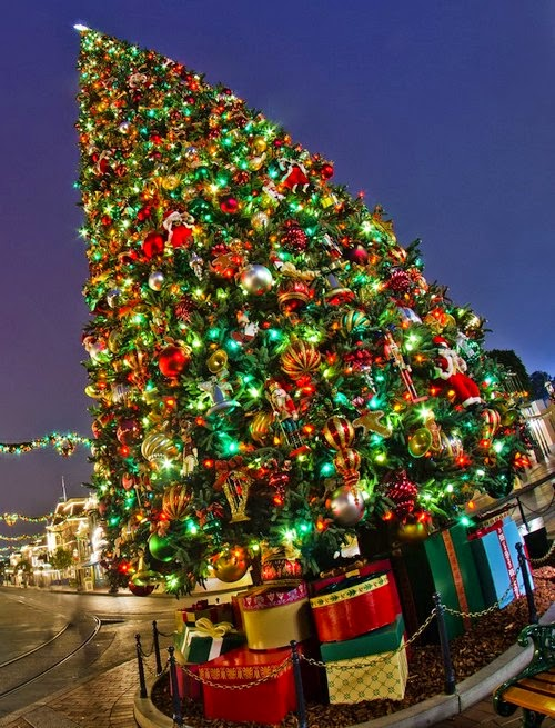 http://youlikeitmy.blogspot.com/2014/10/a-brief-history-of-christmas-trees.html