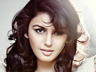 Huma Qureshi to deliver a lecture