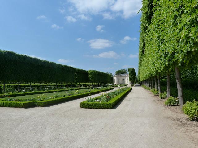 petit trianon jardin
