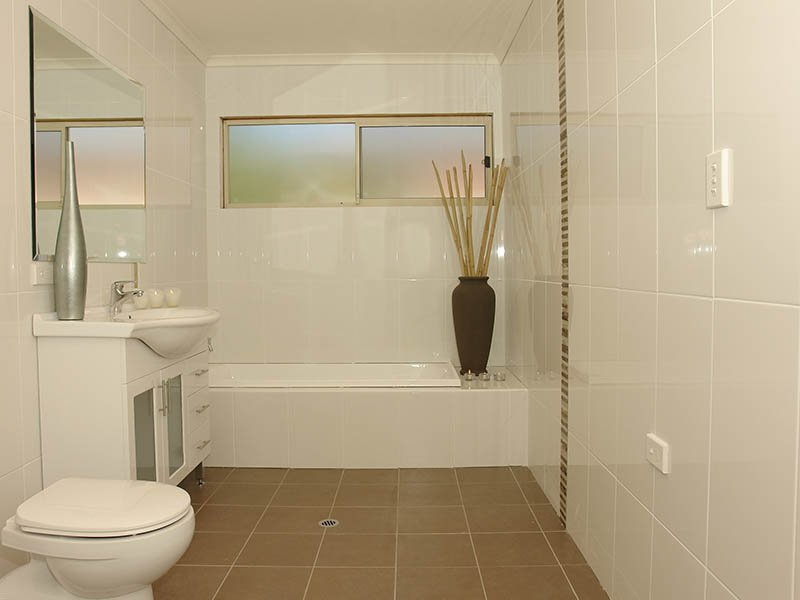 Merveilleux Famous Contemporary Tile For Bathroom Is Scattered Color Tiles, With Blue  Or White Schemes. So, There Are Many Great Tile Themes From Bathroom Tile  Gallery ...