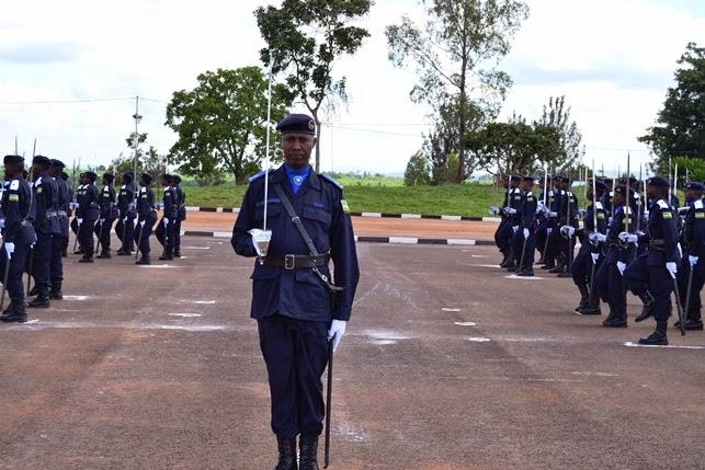 Gishari: Perezida Kagame Yahaye Abapolisi basaga 400 ipeti rya Assistant Inspector of Police (ACP)