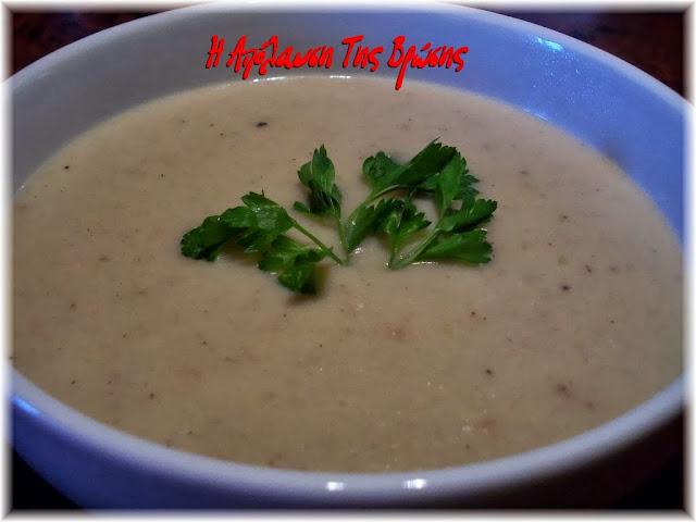 Σούπα βελουτέ με κρεμμύδια, πράσα και πατάτες