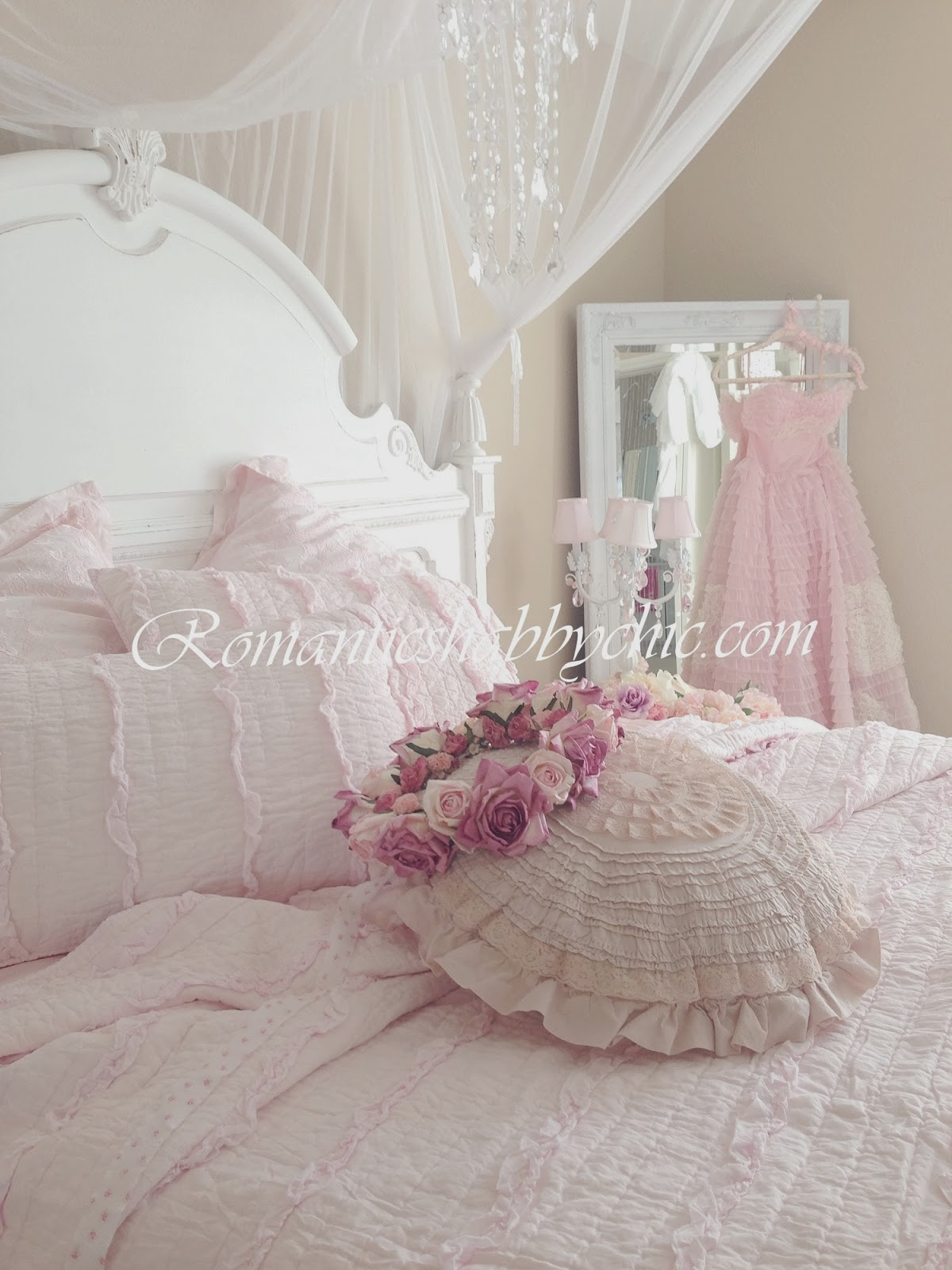 my shabby chic home romantik evim romantik ev romantic shabby chic pink shabby chic. Black Bedroom Furniture Sets. Home Design Ideas