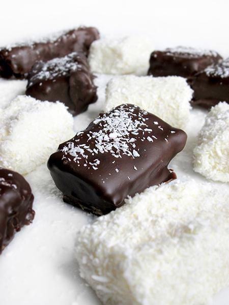 Chocolate coconut bars tinascookings.blogspot.com
