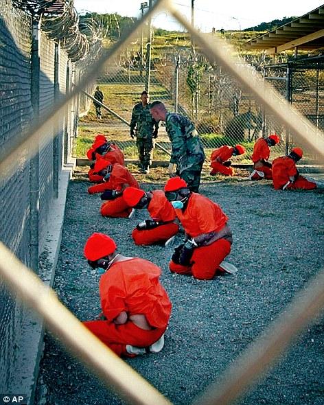 gambar, foto, banduan diseksa, apa, Lagu Sesama Street, Guantanamao Bay, daily mail, ngeri, kejam, cara seksa, dengar, sakit jangka panjang, buka mulut, bocor rahsia
