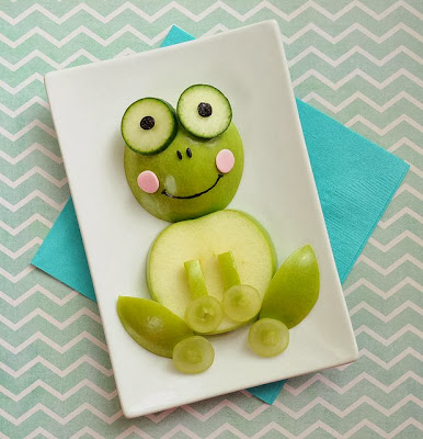 http://www.meetthedubiens.com/2013/07/cute-snack-idea-a-fun-little-froggy.html