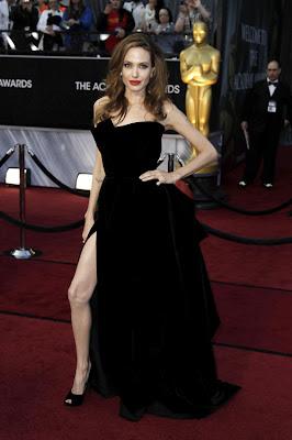 foto del vestido de angelina jolie en los oscar 2012
