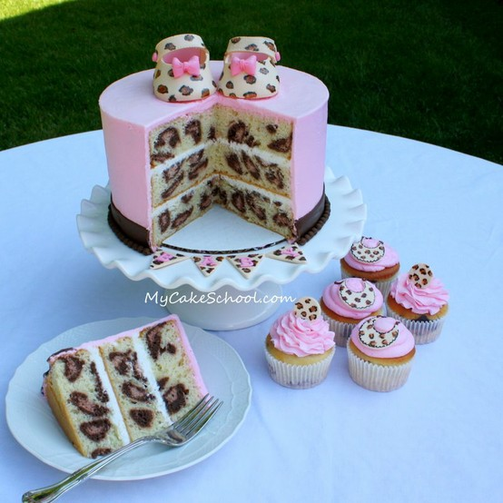 Baker Becky: Guest Post - Cupcake VS Cake: The Pinterest Showdown