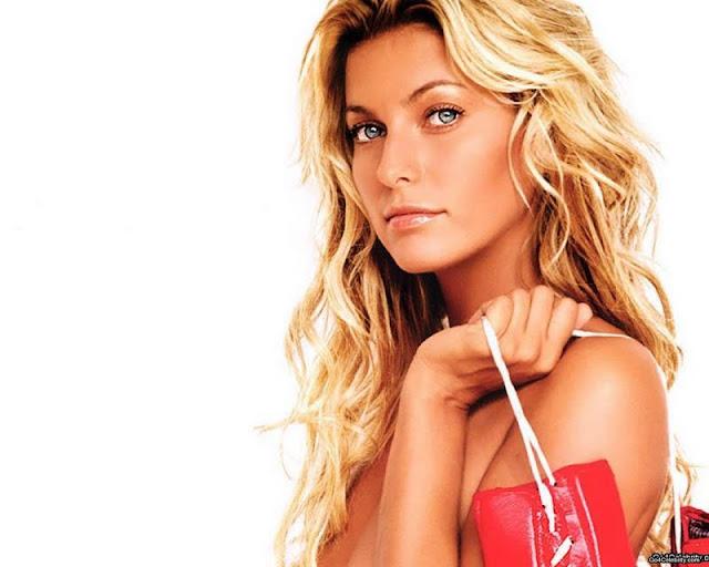 Federica Fontana have a beautiful face