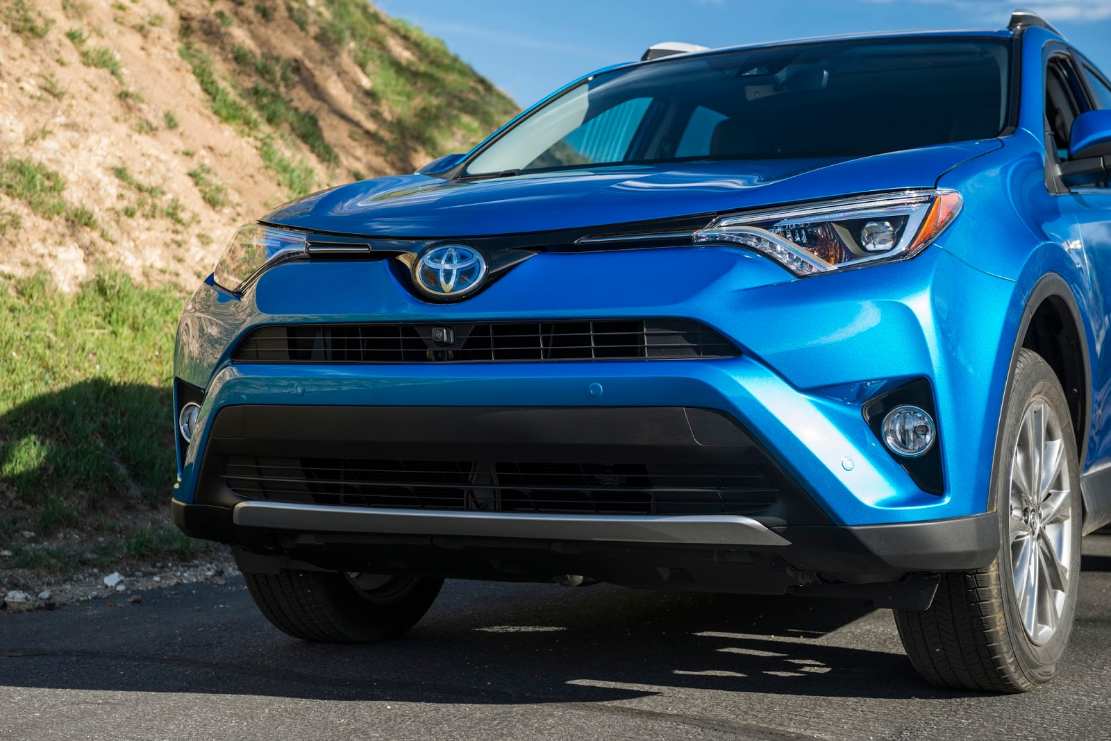 Toyota RAV4 Owners Manual: If your vehicle has tobe stopped in anemergency
