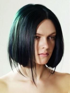 Modelo de peinado con efecto liso con las puntas hacia arriba  - Peinados Puntas Para Afuera