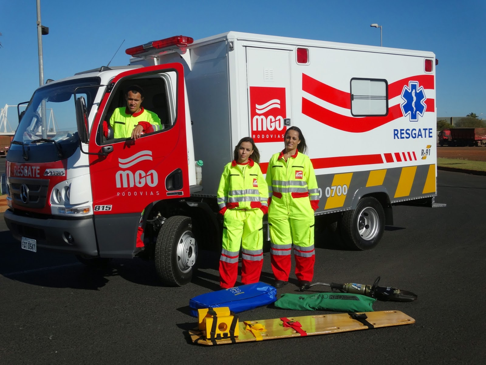 Ambulância de Apoio e Resgate na BR 050