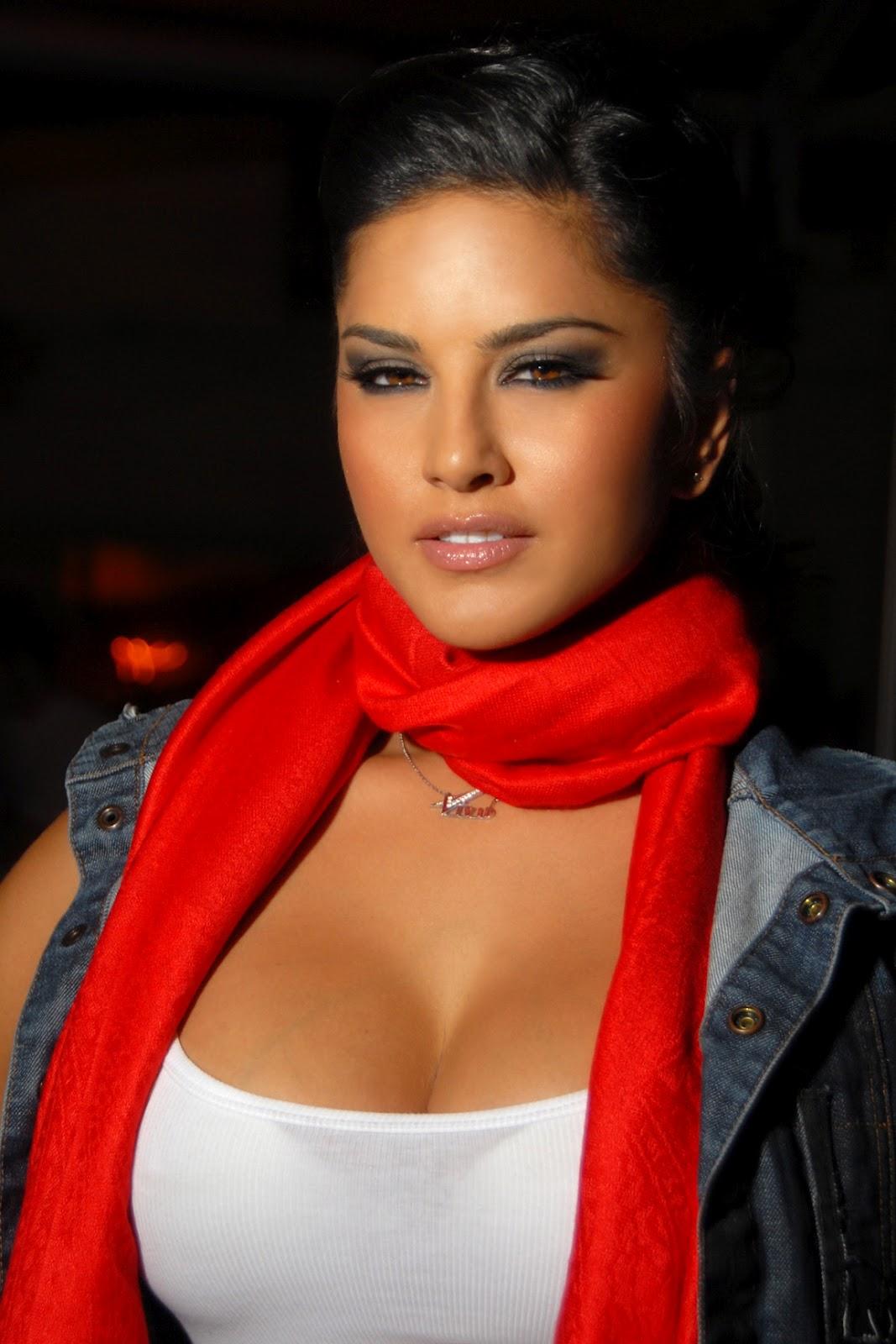 Sunny Leone porno star picture and latest video news
