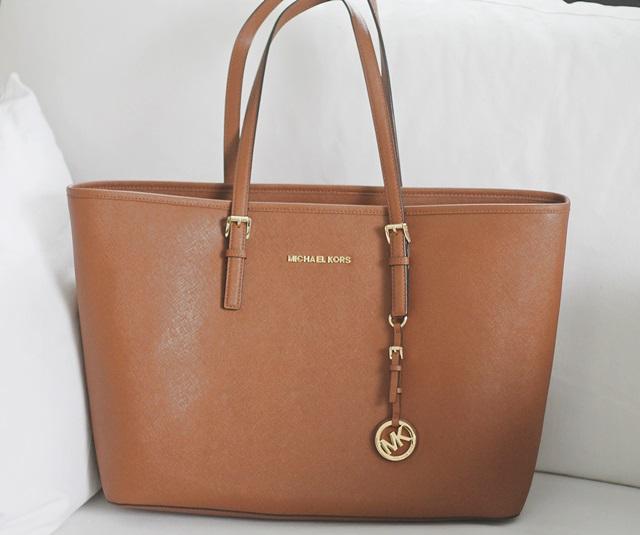 Michael Korsin Käsilaukku : Michael korsin laukku