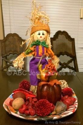 November thanksgiving diys free printables homemade for Homemade thanksgiving decorations for the home