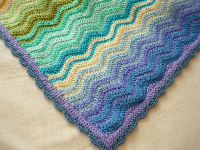crochet scallop border