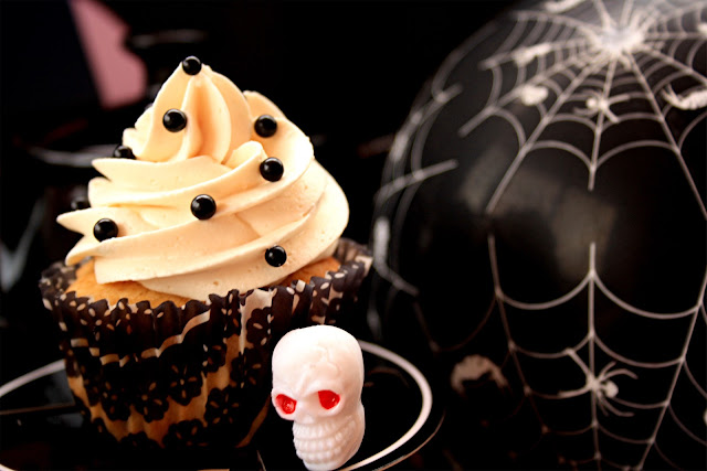 Halloween Cupcakes (Orange & Cramberries Cupcakes)