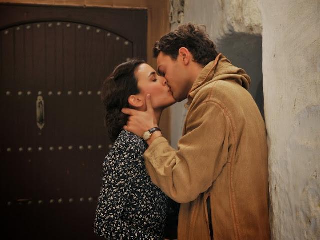 Sira Quiroga beso Marcus. El tiempo entre costuras. Capítulo 5
