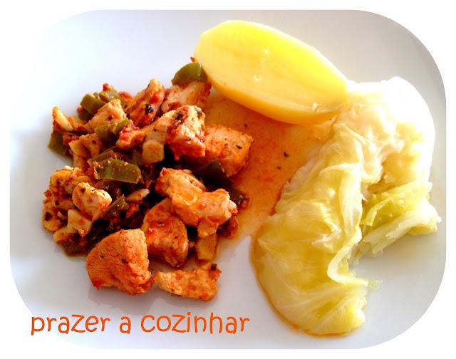 prazer a cozinhar - peitos de frango com pimentos
