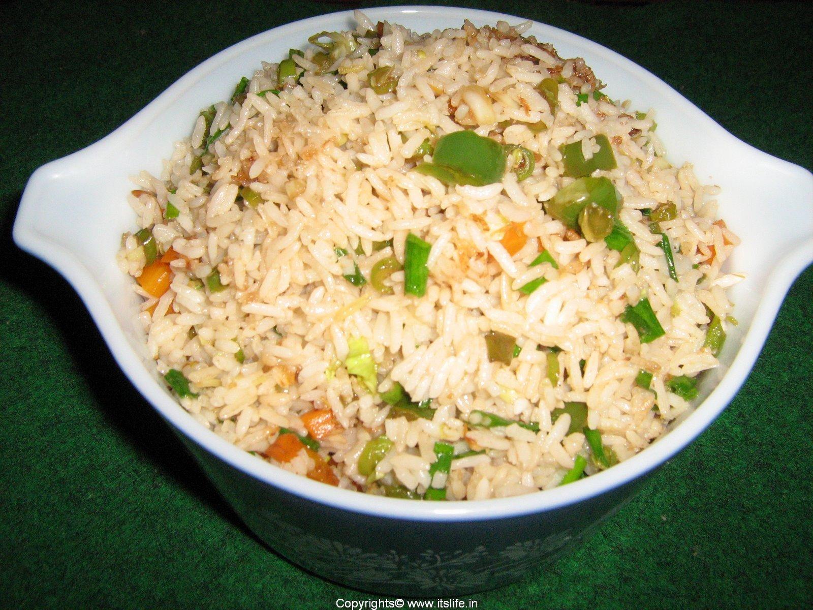 Как правильно варить рис чтобы он не пригорал