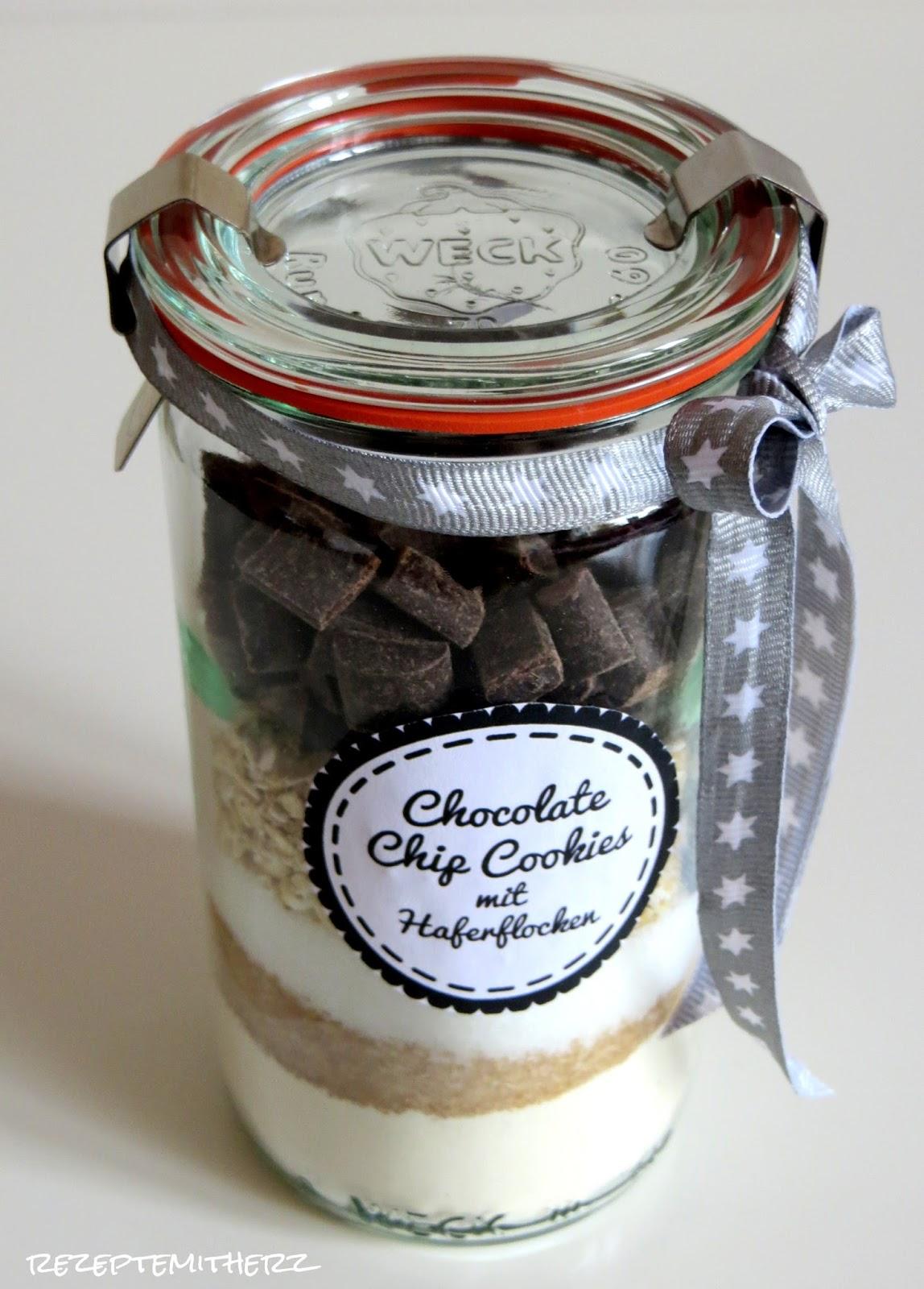 rezepte mit herz backmischung im glas chocolate chip cookies mit haferflocken. Black Bedroom Furniture Sets. Home Design Ideas