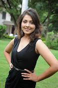 Madhu Shalini glam pics-thumbnail-11