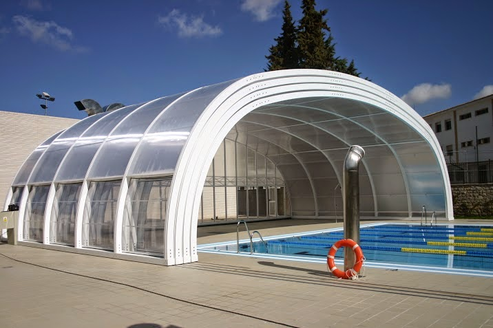 Techos y cubiertas cerramientos y cubiertas para for Techo piscina cubierta