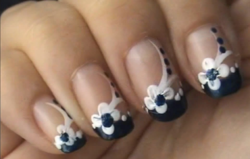 Blue & White Flower NAILS ART