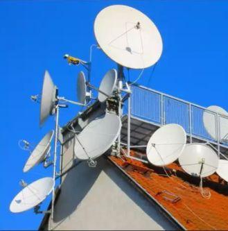 Внеземная цивилизация контролирует нашу планету через спутниковые антенны?