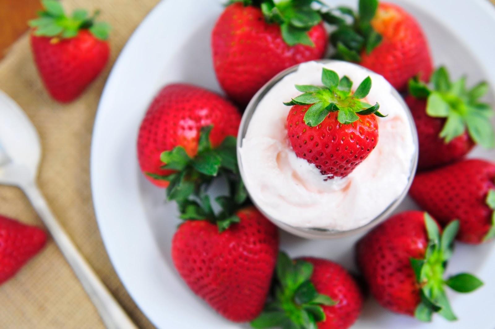 Simply Gourmet: Homemade Marshmallow Fluff and Fruit Dip